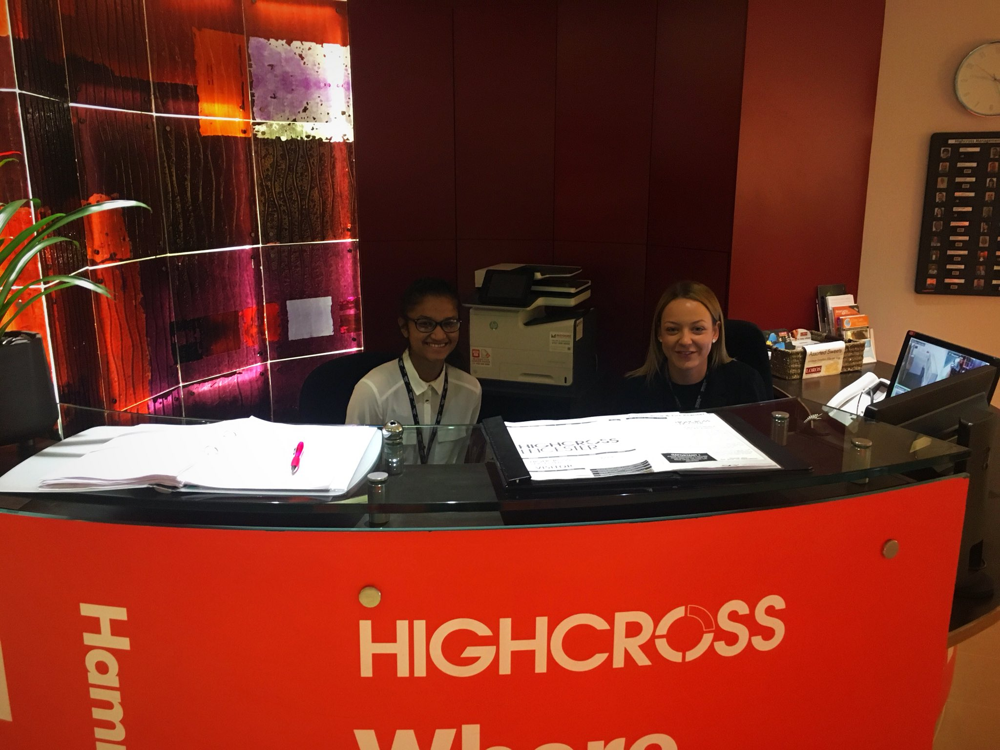 It's our @rusheymeadnews #WorkExperience #placement working with Ella today. Welcoming visitors to @Highcross #ManagementSuite #worldofwork @CareerEnt https://t.co/ORfG0i8Lv4
