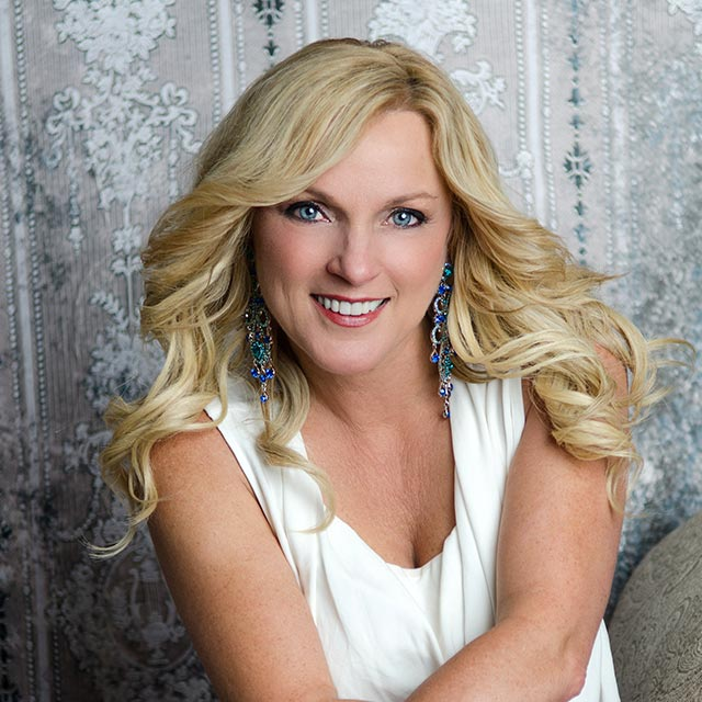 Sending out Happy Birthday Blessings to Rhonda Vincent!!!!