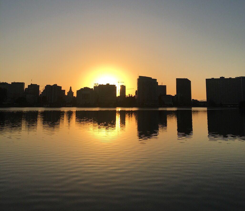 2 pic. Beautiful sunset run tonight! #FromWhereiRun #KeepItMoving #SelfCare 5eTeDMxPbO