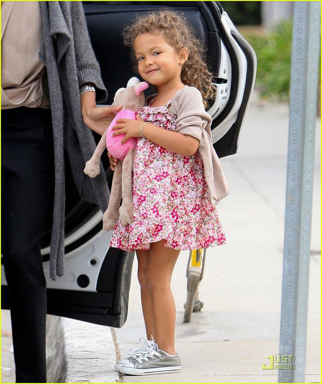 She looks like Halle Berry s kiddo. Both are beautiful girls. Happy Birthday to your big girl!