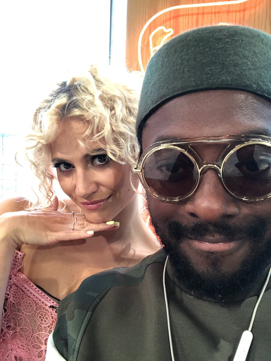 Me and @PixieLott chillin on @SundayBrunchC4 https://t.co/5JjqD8Ybfd