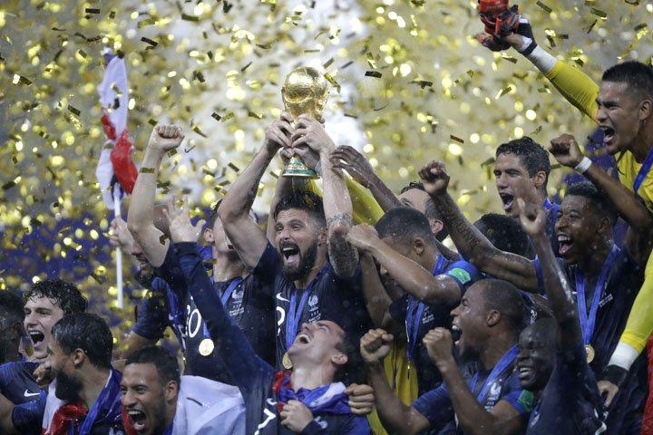 @BroadcastImagem: França bate a Croácia na final, fatura bicampeonato mundial e eleva o seu patamar. Natacha Pisarenko/AP