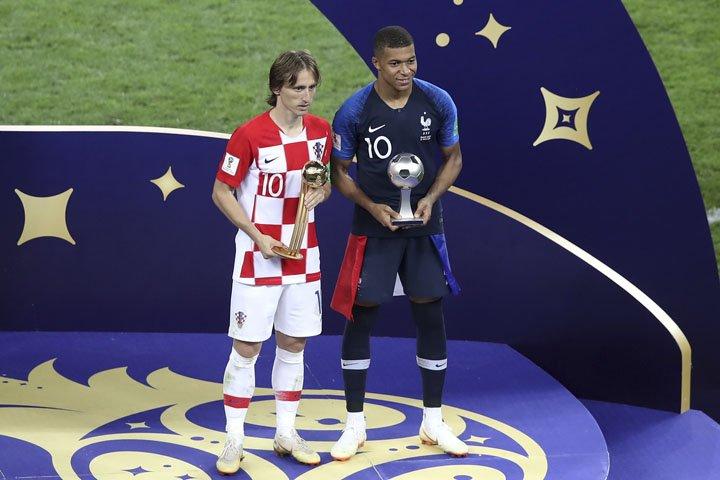 @BroadcastImagem: O croata Modric é eleitor o melhor da Copa e o francês Mbappé, a revelação. Thanassis Stavrakis/AP