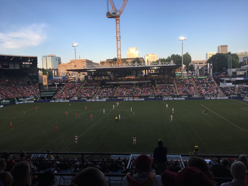 test Twitter Media - Opening play; it is super hot. Wishing the best for these athletes @NWSL @ThornsFC  @HoustonDash https://t.co/C0imdnAe3n