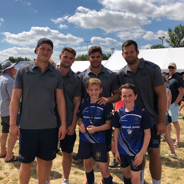 test Twitter Media - When the Macc lads met the sharks including ex Macc first-teamer Sam James 🦈 #maccrugby #Macclesfield #rugbyfamily @SamJames560 @JoshBeaumont1 https://t.co/K7sVdue7ms