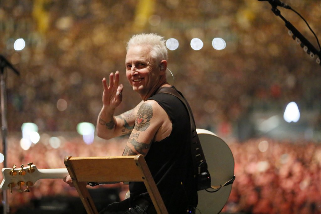 """""""Pearl Jam is a small part of this, but we have a big megaphone that we want to bring to the issue of homelessness."""" - @MikeMcCreadyPJ https://t.co/x94zlWrKYf"""