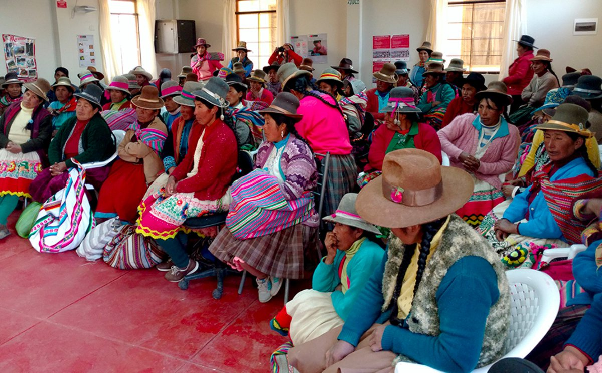 RT @NewsAtIllinois: The Marketplace Literary Project reaches weavers in a remote community in Peru. https://t.co/Z2LO2hBjMu https://t.co/2B…
