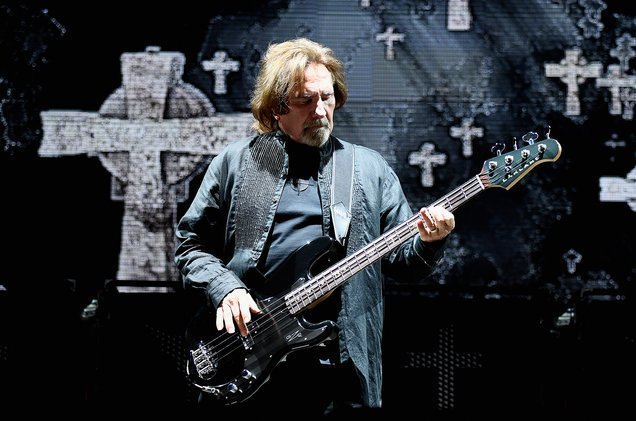 A very happy birthday to Geezer Butler! One of the greatest metal bassists of all time.