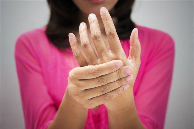 test Twitter Media - ¿Qué son los hormigueos? ¿Por qué se me duermen las manos y los pies? https://t.co/a8802lu8la Vía: @infosalus_com https://t.co/FNlECxbbbT