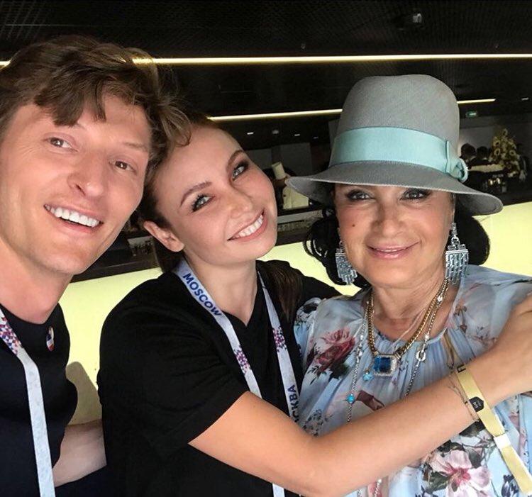 Особенное ощущение – смотреть футбол в компании с любимой Ириной Александровной Винер и Пашей ❤#fifaworldcup2018 https://t.co/wEQqD4cMMF