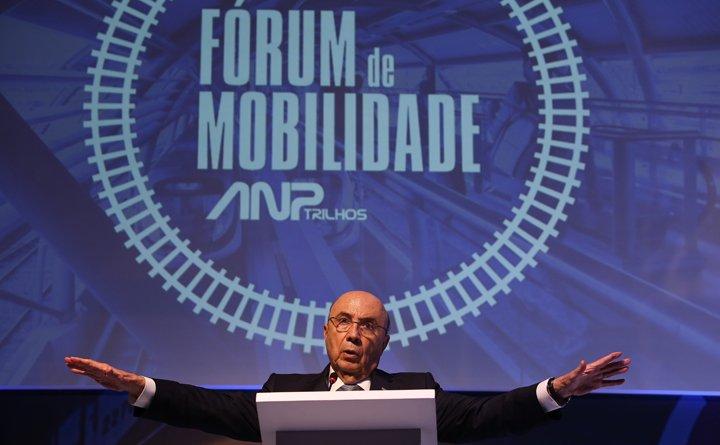@BroadcastImagem: Meirelles diz que Receita terá mais rigor na fiscalização caso ele seja eleito. Dida Sampaio/Estadão