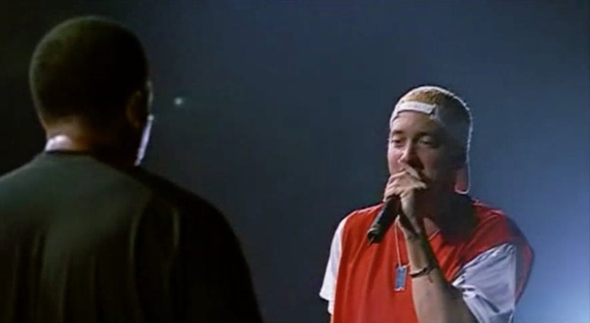 RT @OnlyHipHopFacts: Eminem, Xzibit & Dr. Dre performing What's the Difference during the Up in Smoke Tour in 2000. https://t.co/vJuWgpF7Ot
