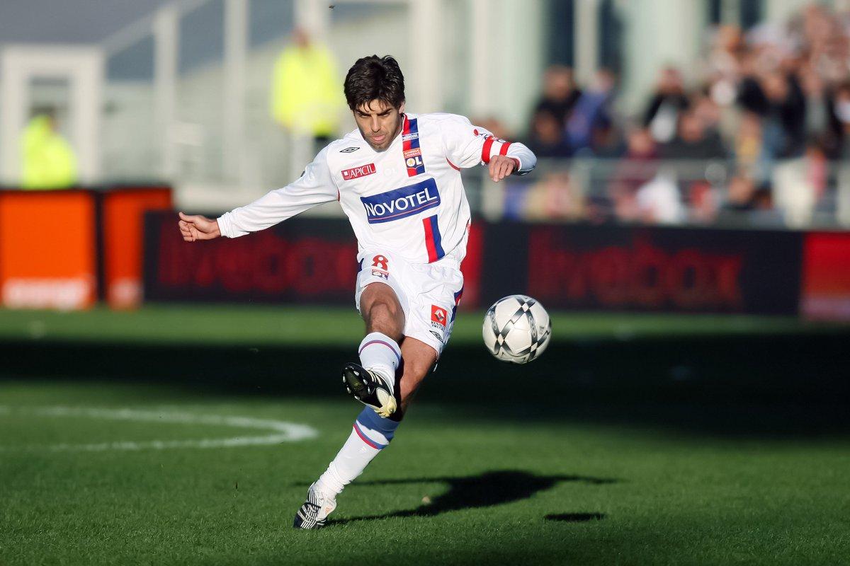 the free kick master andrea pirlo during his time at lyon