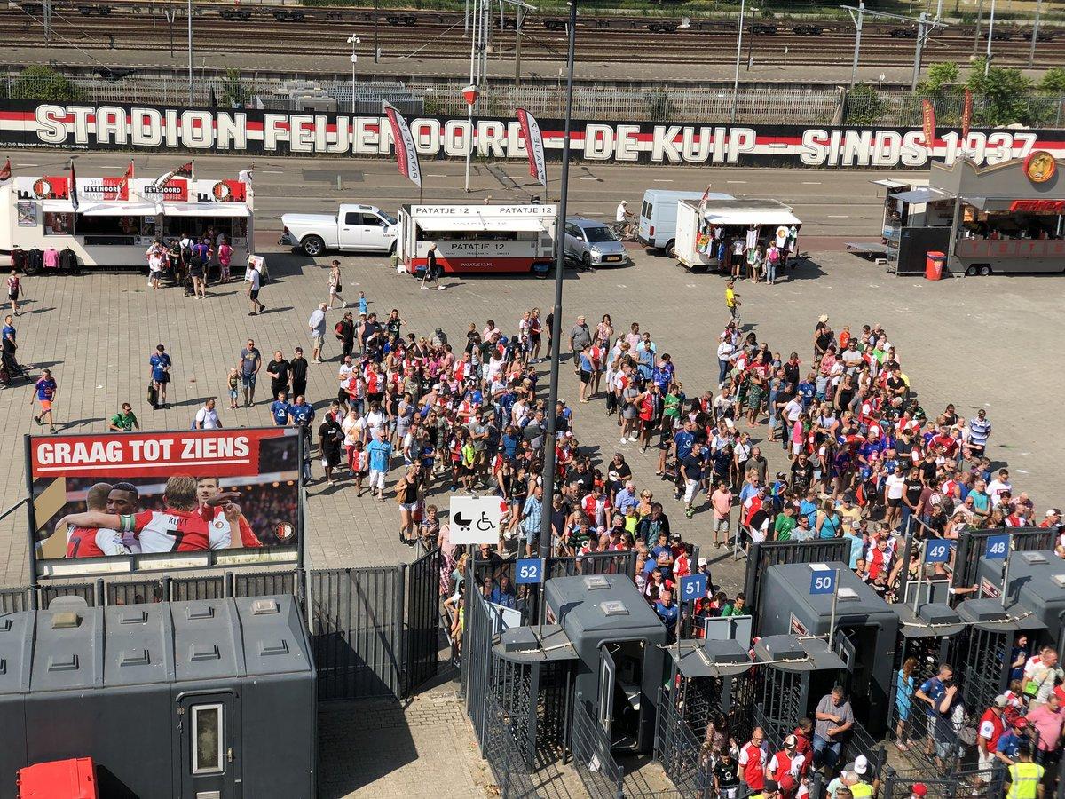 test Twitter Media - 🏟 De poorten zijn geopend!  Welkom kameraden en veel plezier op onze #OpenDag🚁!  #Feyenoord110 https://t.co/tZs9dGEYlp
