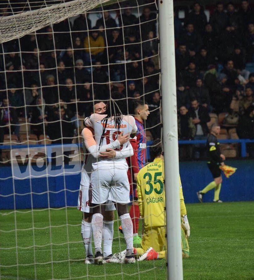 RT @fotottarena: 2017-2018 Sezonu Attığımız 75 Golün Sevinçleri Serisi 59.Gol Sinan Gümüş (Karabük) https://t.co/oiwpSvfryR