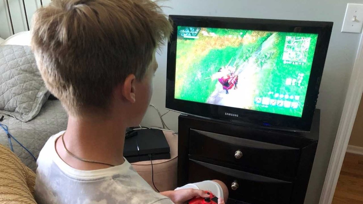 test Twitter Media - 'It's really scary': 13-year-old boy scammed while playing Fortnite https://t.co/b3bRek8ue4 https://t.co/uKRm8jDo00