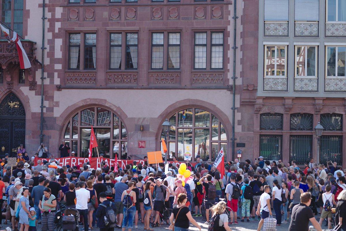 RT @hkos: gestern in #frankfurt @_Seebruecke_ https://t.co/ocwKZHCFn7