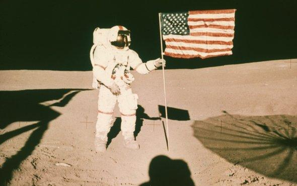 test Twitter Media - Who owns the moon? Did the Stars and Stripes on the moon signify the establishment of an American colony? A space lawyer answers https://t.co/TnnxCluATw #Apollo11 https://t.co/R3c3Mjri6A