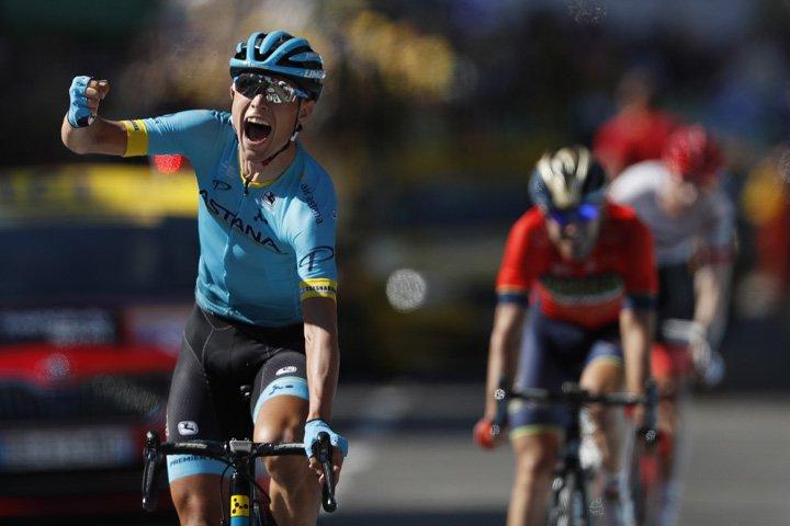 @BroadcastImagem: Dinamarquês Magnus Cort Nielsen vence 15ª etapa da Volta da França. Peter Dejong/AP
