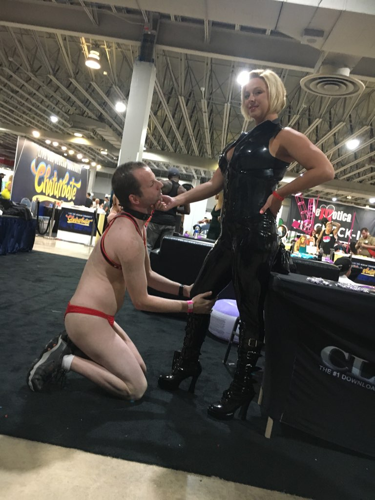 Being served properly #exxxoticamiami tJUil3PGP1
