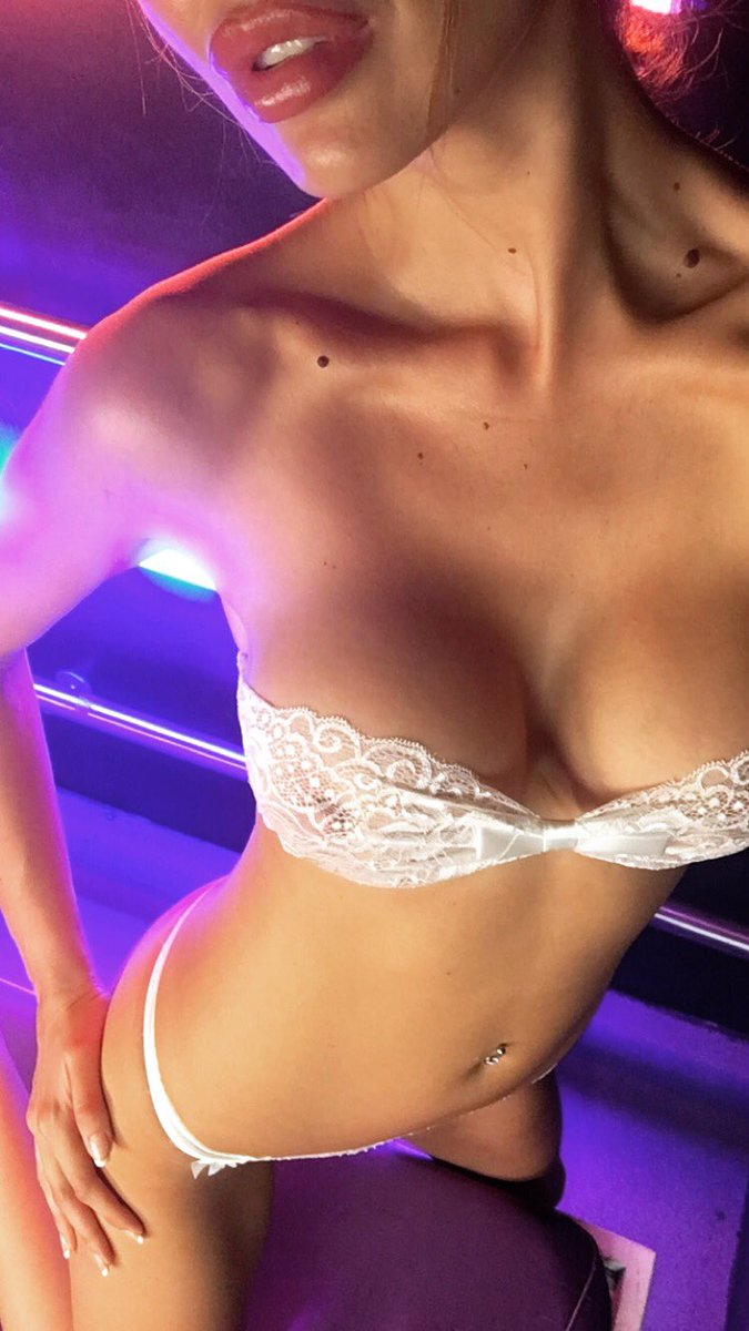 If you're looking for me on im currently on backstage cam .... until about 5pm .... feel free