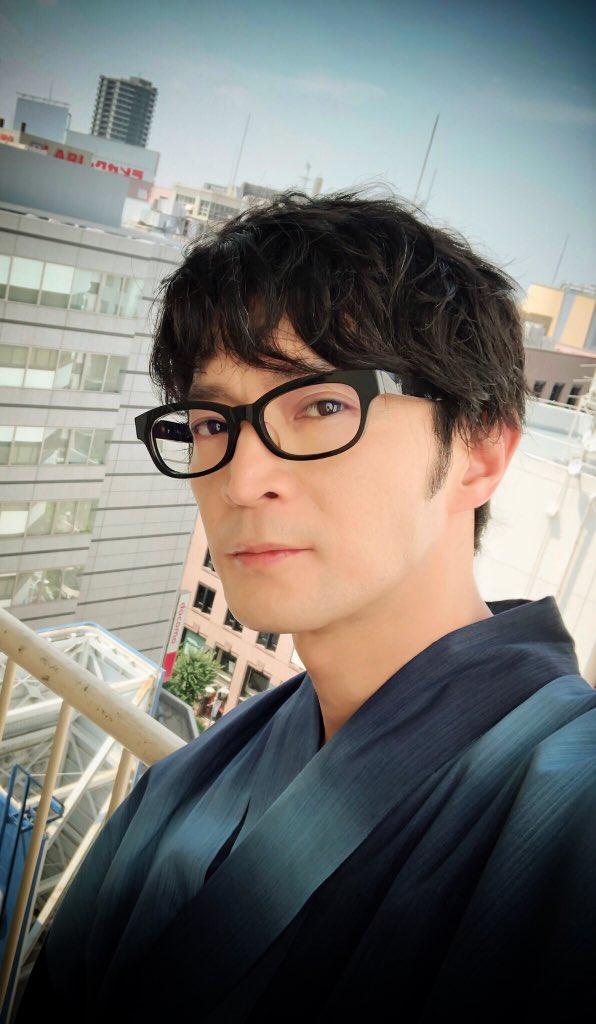 イケメンすぎます\u2026津田健次郎さんが浴衣姿を披露!さらに黒縁