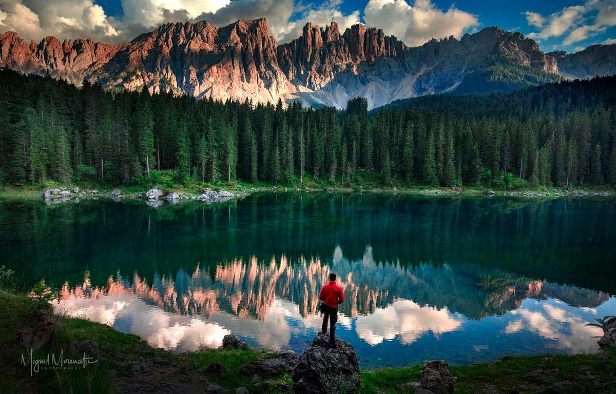 Existe una obra perfecta de la naturaleza; el Lago Carezza. Una gran paleta de colores, conocido como lago arcoíris. Dolomites, Alpes italianos.  #AutoFoto ©MiguelMorenatti https://t.co/omQdHUe493