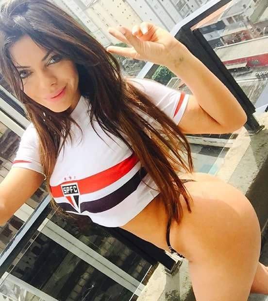 Sigam o Líder @SaoPauloFC!????????????⚽ #Brasileirão2018 #SPFC #Hepta  #VamosSãoPaulo ????⚪⚫ https://t.co/9qEDTndfbx