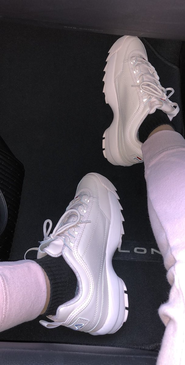 Kinda obsessed with my new shoes #FILA yDmRHZSzuN