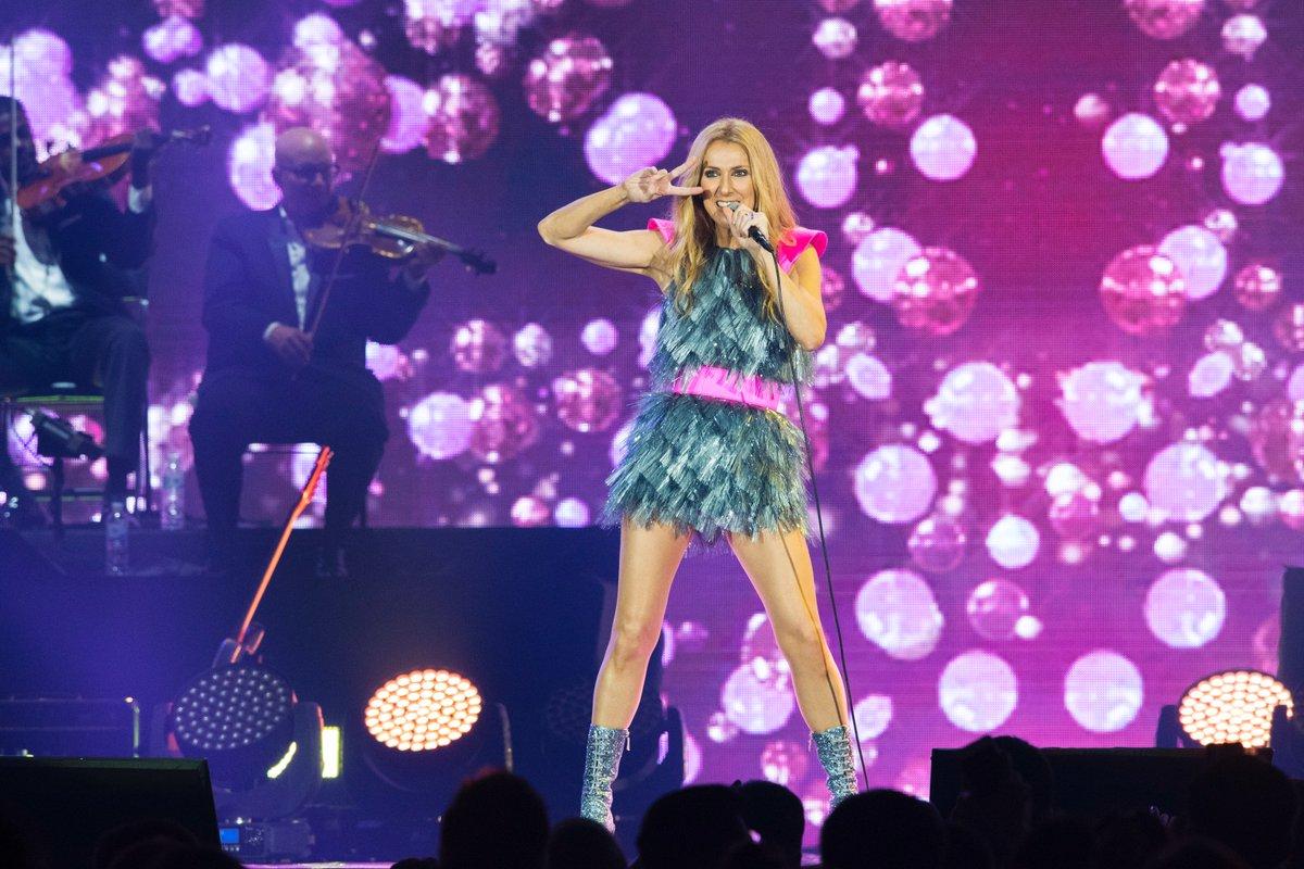 G'day Sydney...How you going? - Céline xx…  ???? : Kontaros Teangtrong  #CelineDionLive2018 #Sydney  #Australia https://t.co/cV7gHutAGD