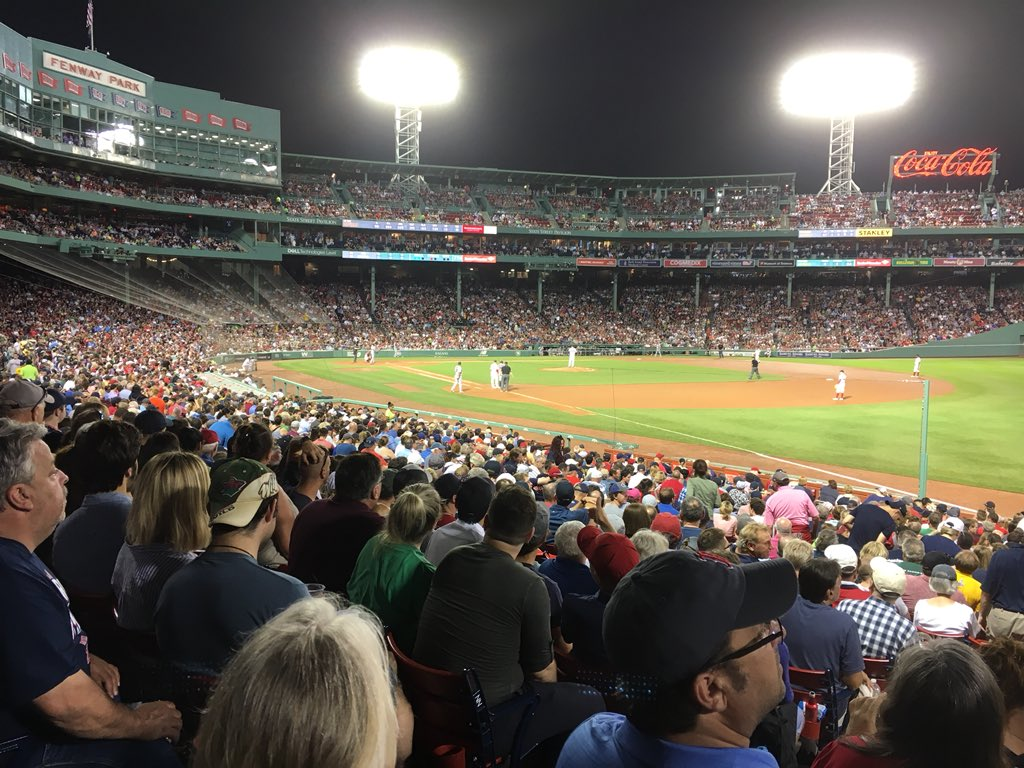 Fenway Park Boston tonight. Major league ground number 9 for me. https://t.co/B8vKNjXYuP