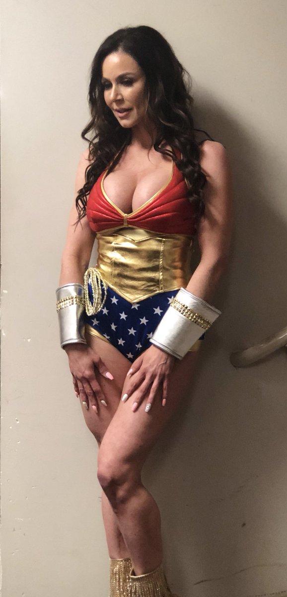 #TBT #LustArmy #WonderWoman HotSlBlHWa