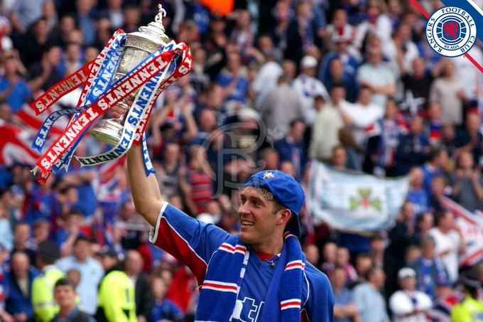 Happy Birthday to legend Fernando Ricksen. A true warrior