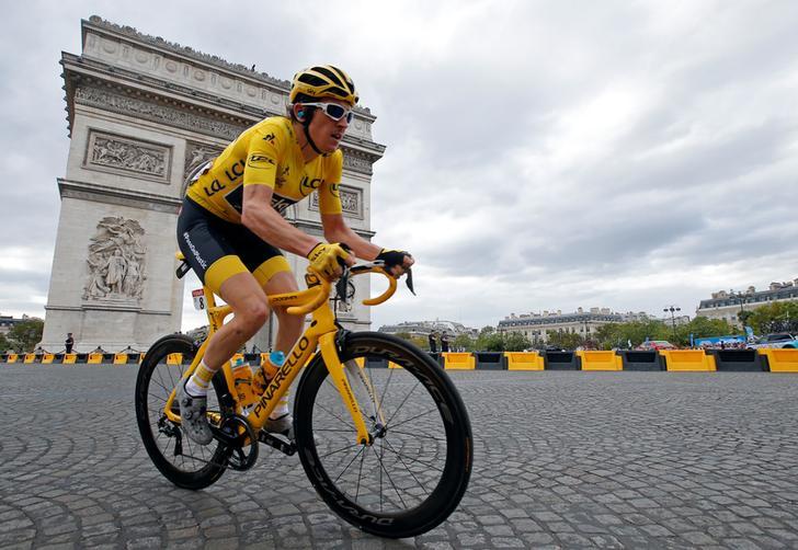 Geraint Thomas takes maiden Tour de France title as Team Sky extends reign: