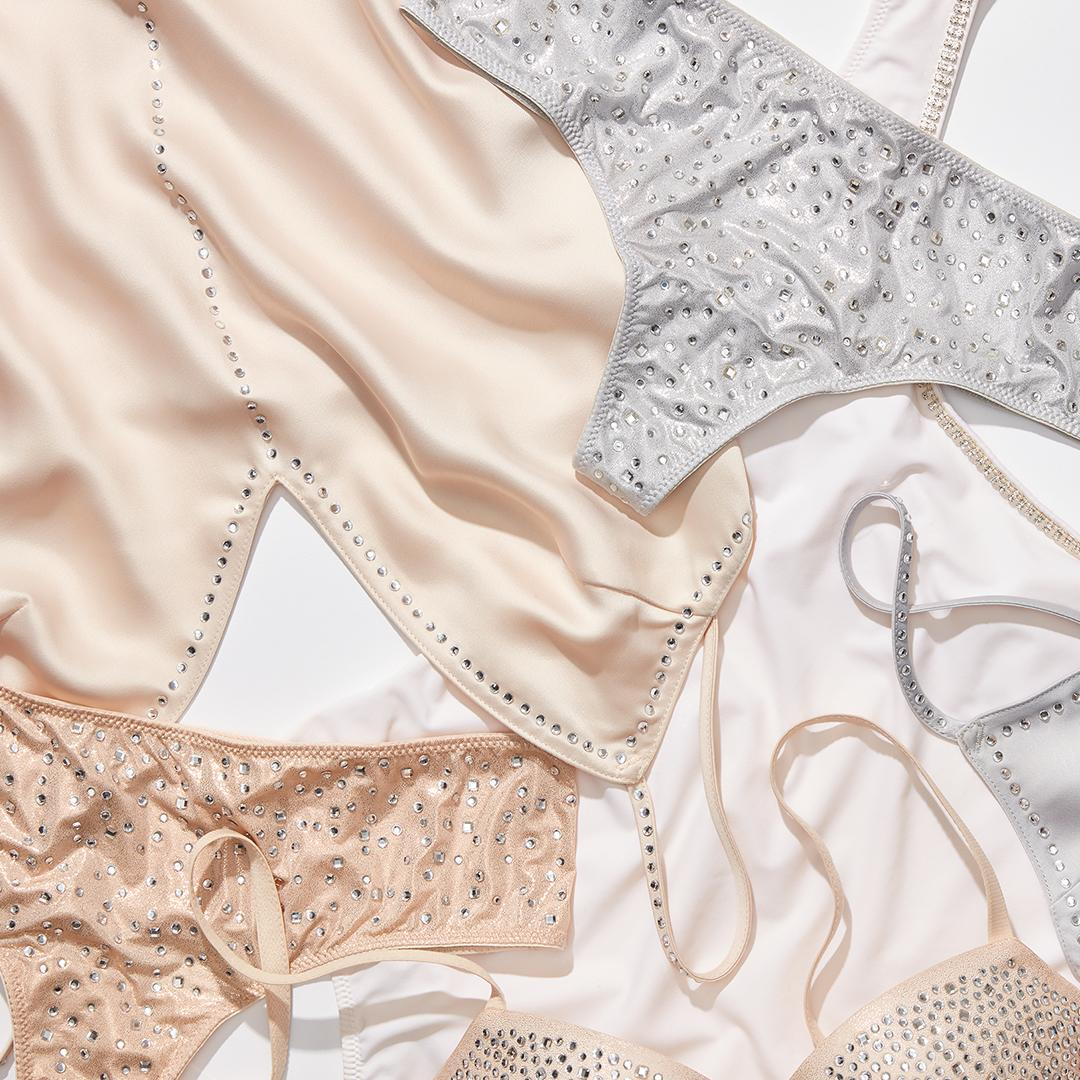 The glitz AND the glamour. https://t.co/xGpJeXOoYN #littleluxuries https://t.co/rLSQCiF0Me
