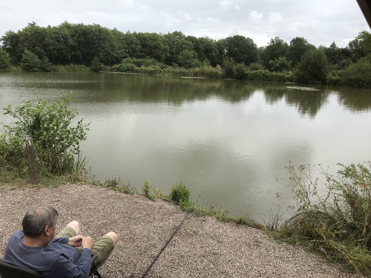 Taking  yoda fishing again! #goodtimes #<b>Thatscarpy</b> #carpfishing https://t.co/6G03qDXcpZ