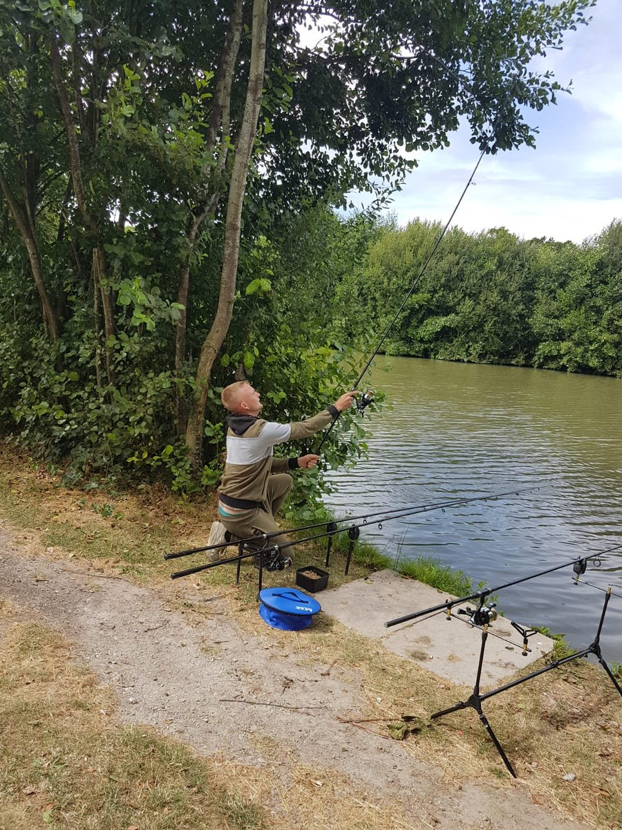 Nothing better than doing a bit of fishing #carpfishing #<b>Jrc</b>rods #barstonlakes https://t.co/6