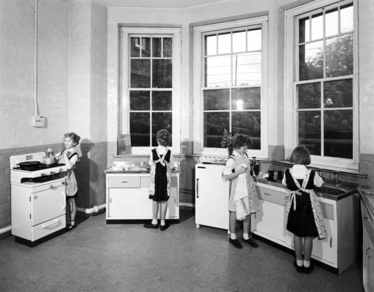 test Twitter Media - We also have some image sets from across time - these are from the School in the 1950s: https://t.co/u9LQ0uOWuM https://t.co/KYo1SDU493