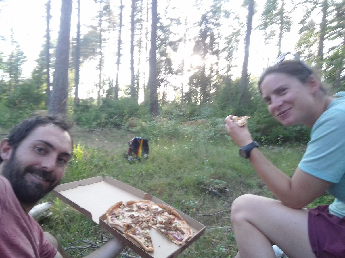 Croiser une pizzeria 3km avant le spot de bivouac : le piège !