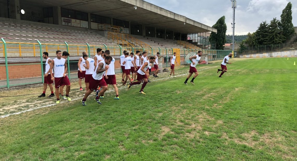 Last day of pre-season training in Acri. The team is traveling up to Campania to meet Serie B side Salernitana for a friendly test on Wednesday. Still unknown where training will take place after that, as the Centro Sportivo Sant'Agata remains under city control. https://t.co/h0dZnfkrfe