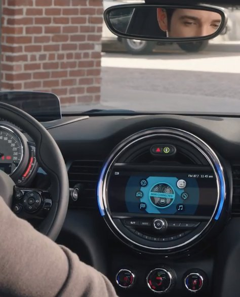 #MINIConnected makes getting out and about, while staying #connected, as easy as a #drive in the parking lot. https://t.co/vL7AW0ahy7