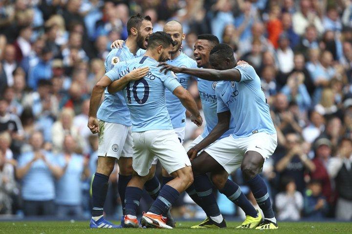 @BroadcastImagem: Agüero marca três, Gabriel Jesus quebra jejum e Manchester City faz 6 a 1. Dave Thompson/AP