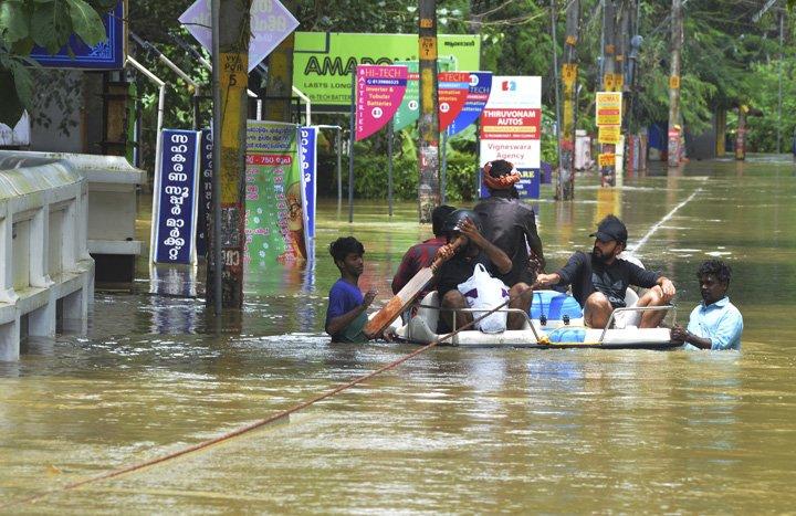 @BroadcastImagem: Inundações no sul da Índia já deixaram ao menos 164 mortos nos últimos 10 dias. AP Photo