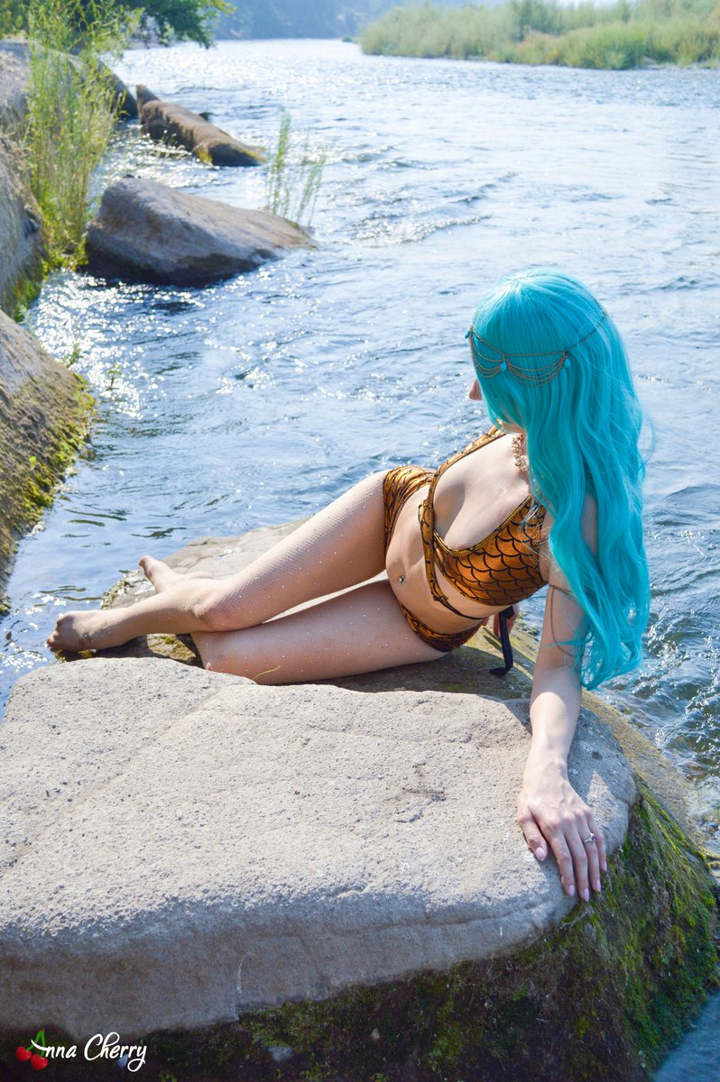 #FishnetFriday🧜♀️ Water Nymph siren waiting for you in Patreon all month long. iR6eLC1R2x