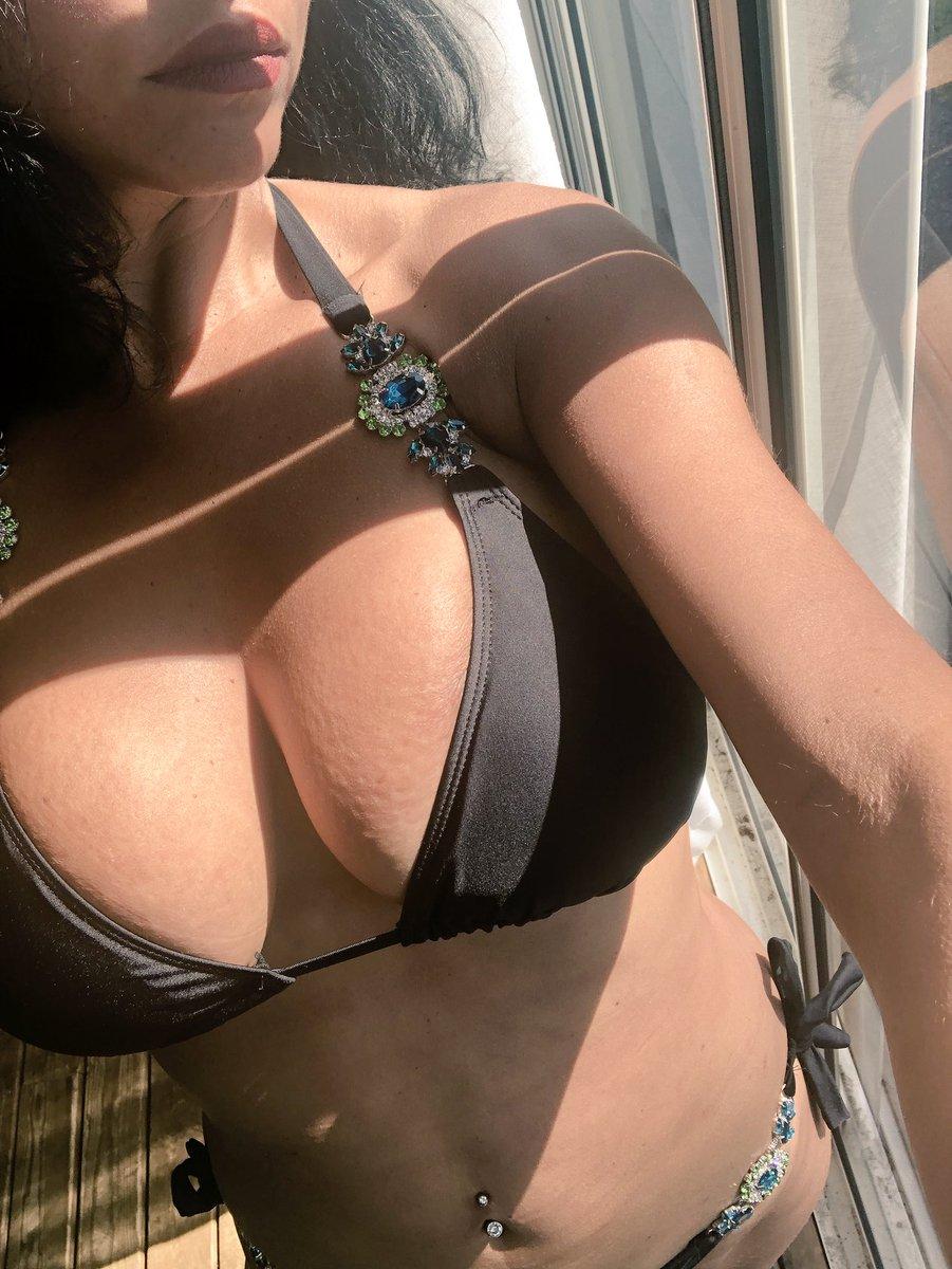 2 pic. Okay new diamante bikini on beach dress on catch up later ❤️ LQSlLV7Cek