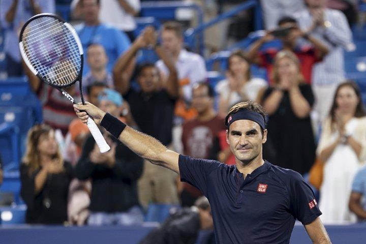 @BroadcastImagem: Federer sofre, mas vence Wawrinka de virada e encara Goffin em semifinal. John Minchillo/AP