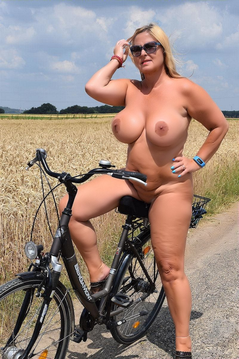 There is nothing better than a nude bicycle-ride.... UFeiKvtOnt