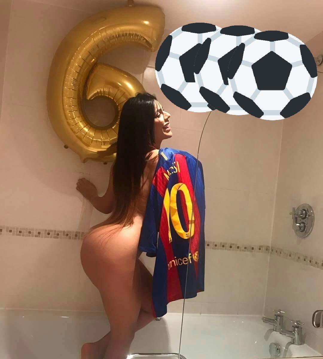 ⚽ GOAL 6️⃣0️⃣0️⃣0️⃣ in @LaLiga: Keep them coming! ???? ????????#BarçaAlavés #Messi ???????? https://t.co/iAWpXVFCYN