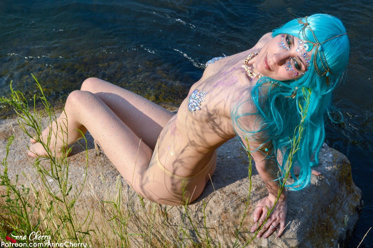 :Water Nymph: luring you into deep waters all August long 🌊 tEcbYKuqfc Hk