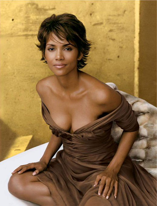 Happy 50th Birthday to Halle Berry.